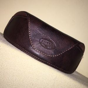 NWOT-Fossil Brown Distressed Leather Sunglass Case